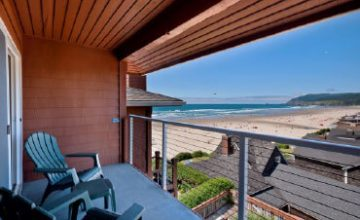 <em>Oceanview</em> Rooms &#038; Suites