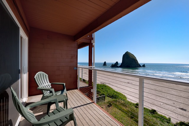 Cannon Beach Oceanfront Balcony