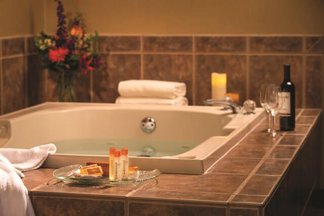 Cannon Beach Spa Tub