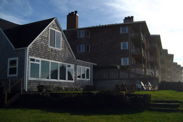 Cannon-Beach-Vacation-Rental-396-Yard-View