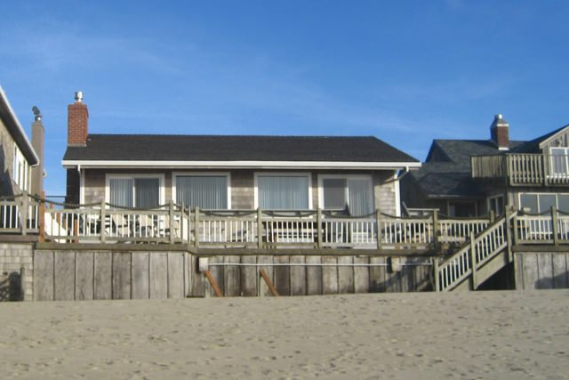 Cannon Beach Vacattion Rental 301-from beach-640x427