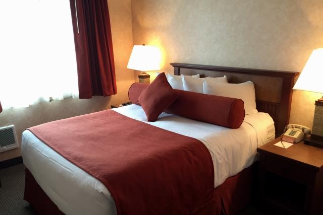 Hallmark Suites - Bedroom