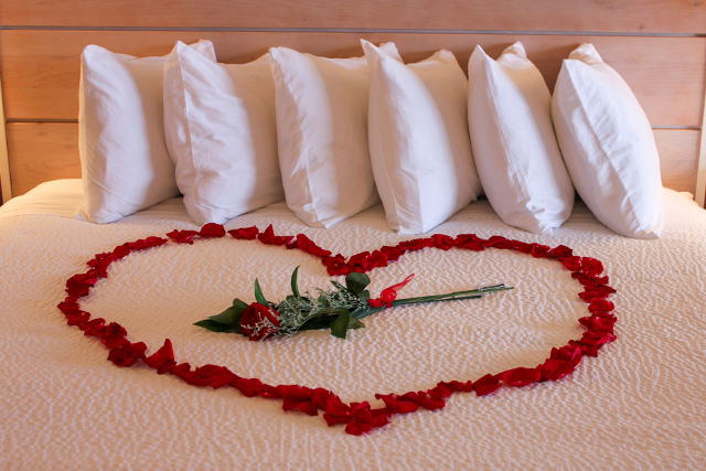 Touched By Roses Romantic Getaway Special Hallmark Oceanfront Hotel Cannon Beach