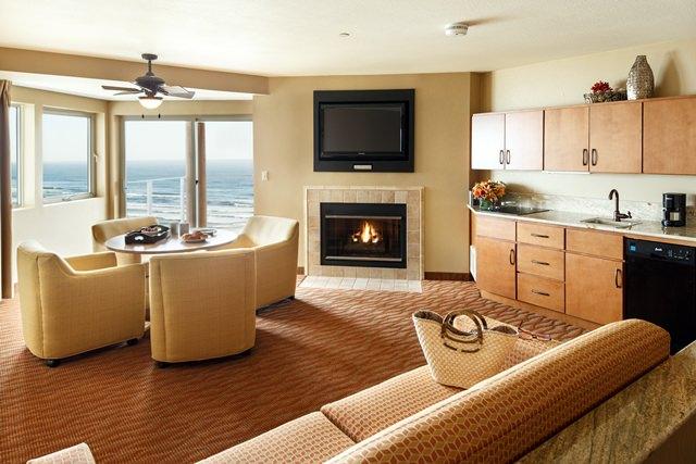 Newport Admiral Suite