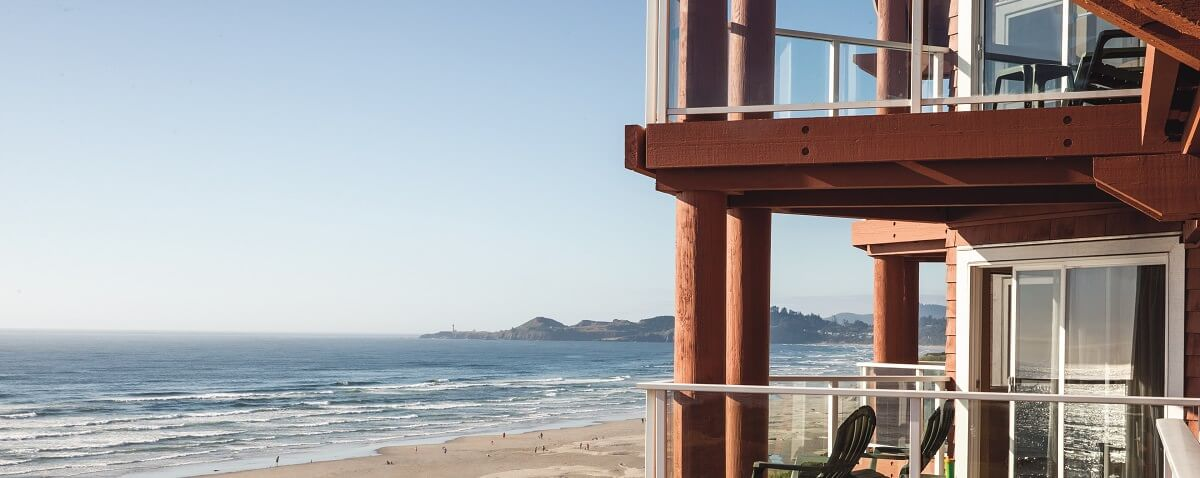 cannon beach newport oregon hotels hallmark inns or. Black Bedroom Furniture Sets. Home Design Ideas