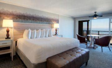 <em>Oceanfront</em> Rooms & Suites